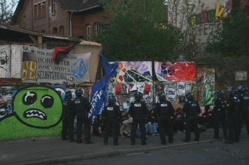 Erfurt Besetztes Haus Räumungen Sitzblockade Topf Söhne